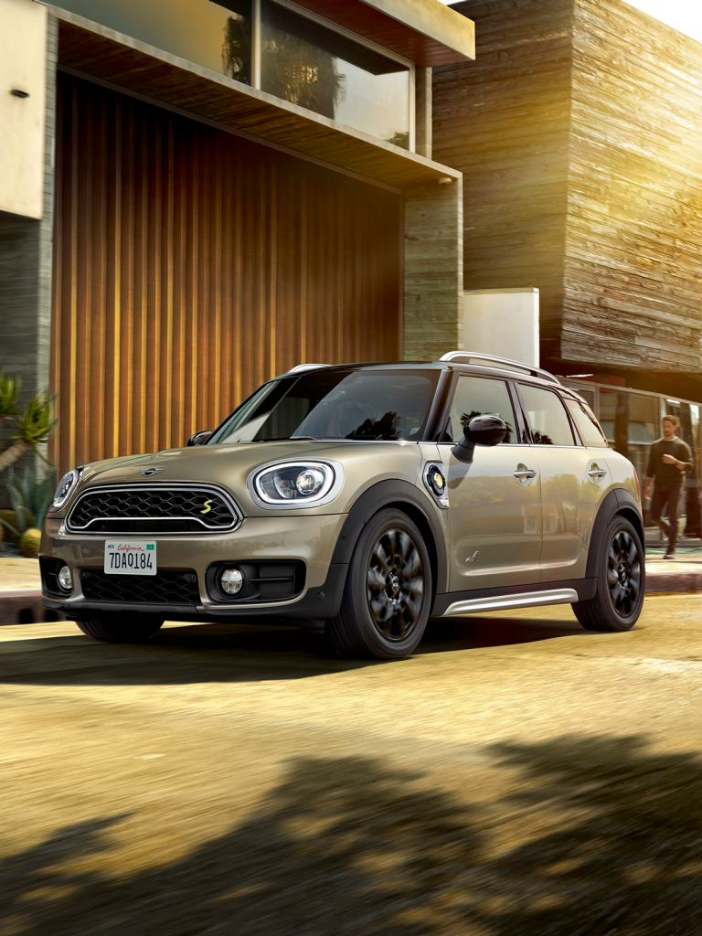 LA NOUVELLE MINI PLUG-IN HYBRIDE.